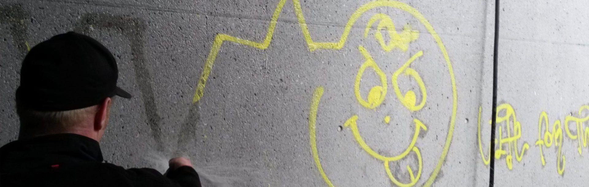 Graffitientfernung / Graffitischutz